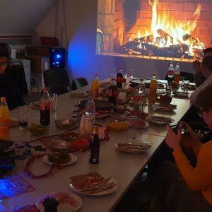 Weihnachtsfeier mit der Jugend